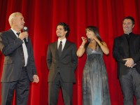 """ROLAND EMMERICH, STEVEN STRAIT, CAMILLA BELLE und HARALD KLOSER bei der Weltpremiere des Kinofilms des Kinofilms """"10000 BC"""""""
