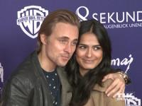 """Constantin von Jascheroff kam mit seiner Freundin Haleh Esbak zur """"8 Sekunden""""-Premiere in Berlin"""