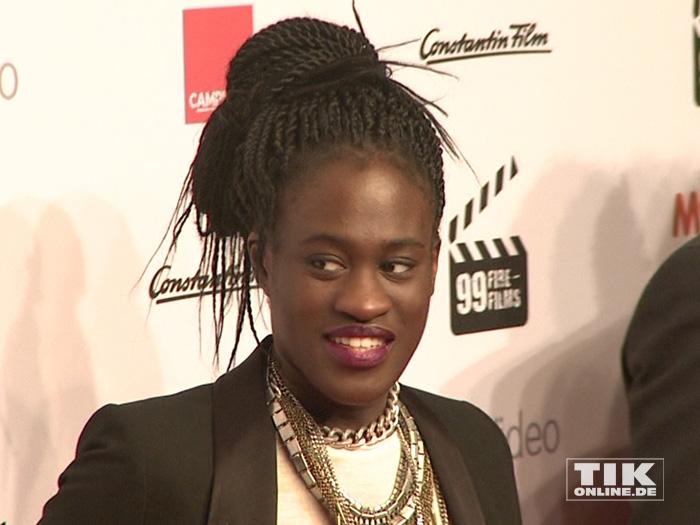 Eigentlich ist ja Musik die Leidenschaft von Ivy Quainoo, aber den 99Fire Film Award ließ sie sich trotzdem nicht entgehen.