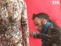 Bodypainting Künstler Johny Dar in Aktion