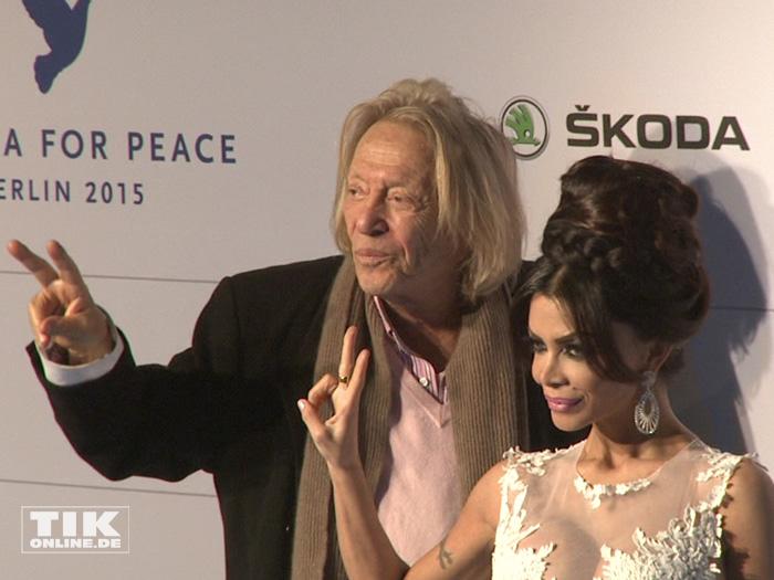 Sind auch für den Frieden: Rolf Eden und Kader Loth bei der Cinema for Peace Gala 2015