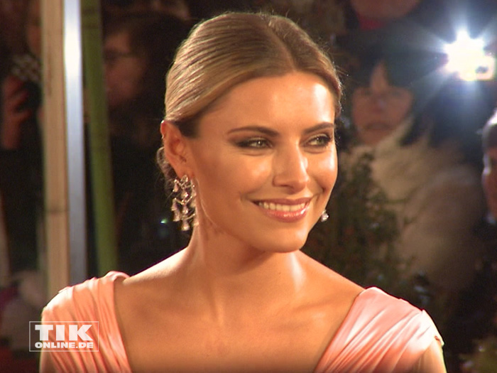 Sophia Thomalla beim Dresdener Semperopernball 2015