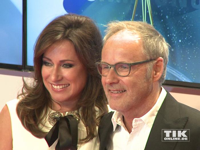 Reinhold Beckmann mit seiner Ehefrau Kerstin Beckmann bei der Goldenen Kamera 2015
