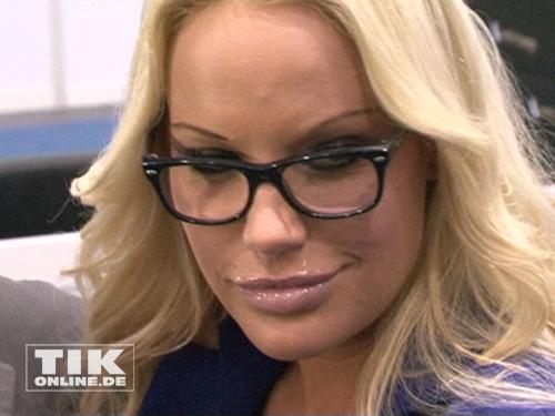 Gina-Lisa ist bekannt für ihre große Klappe, auch sie zeigte bereits im Playboy was sie hat