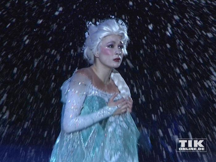 """Eiskönigin Elsa bei der Premiere von """"Disney On Ice"""""""