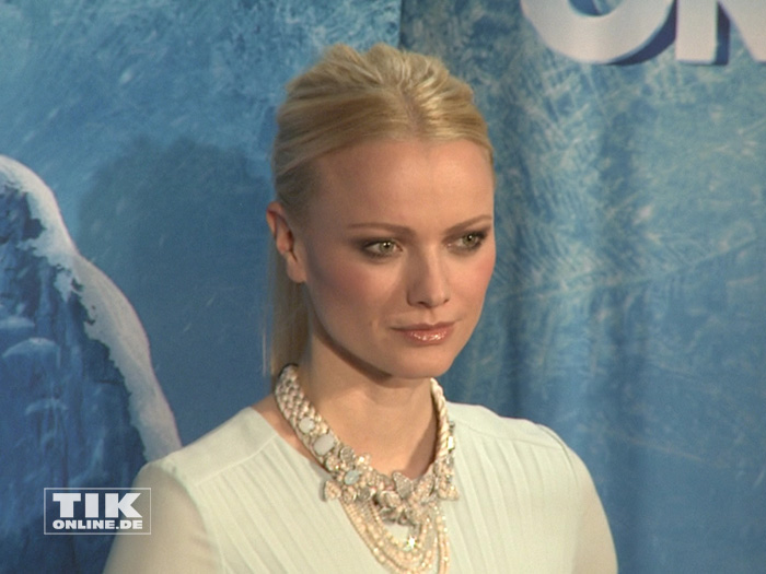 "Model Franziska Knuppe bei der Premiere von ""Disney On Ice"""