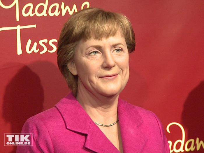 Deutlich farbenfroher kommt die Angela Merkel-Wachsfigur aus ihrer zweiten Amtszeit daher