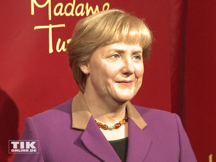 Diese Angela Merkel-Wachsfigur zeigt die Kanzlerin bei ihrem letzten Amtsantritt
