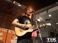 """Newcomer Ed Sheeran gibt ein Mini-Konzert auf der Media-Markt Bühne im """"Alexa"""""""