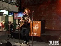 "Kreischalarm bei Ed Sheeran im Shopping-Center ""Alexa"" in Berlin"