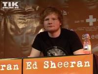 Jung-Star Ed Sheeran wirkt leicht verwirrt oder ist einfach überwältigt vom Andrang der vielen Fans