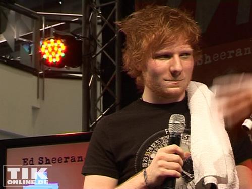 Ed Sheeran braucht eine kurze Pause und vor allem ein Handtuch