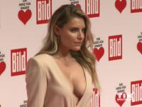 """Sophia Thomalla präsentierte ein Mega-Dekolleté bei der """"Ein Herz für Kinder""""-Gala 2015 in Berlin"""