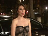 Trotz frischen Temperaturen kam Carice van Houten in einem sexy schulterfreien Kleid zum European Film Award EFA 2015 in Berlin