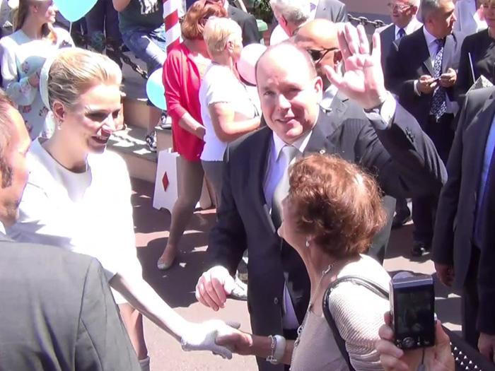 selten sah man Fürst Albert und Fürstin Charlène so ausgelassen und entspannt