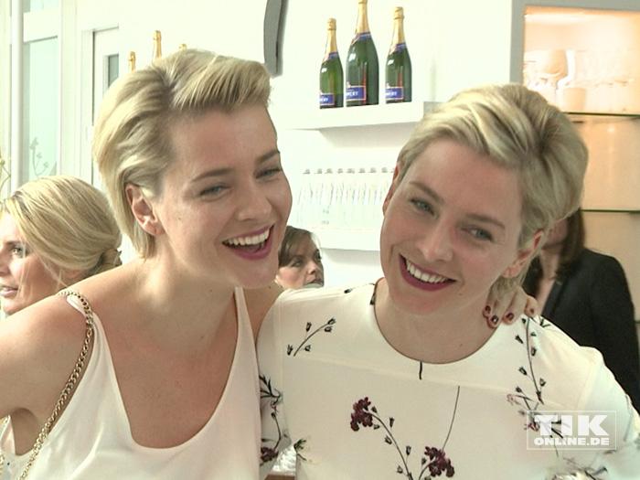 Die Meise-Zwillinge Nina und Julia beim Gala Fashion Brunch 2015