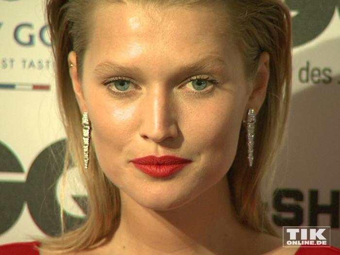 """Model und Leonardo DiCaprio-Ex Toni Garrn bei den GQ """"Männer des Jahres"""" 2015 Awards"""