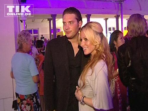 Gülcan mit Ehemann Sebastian Kamps bei der Lambertz WM Night