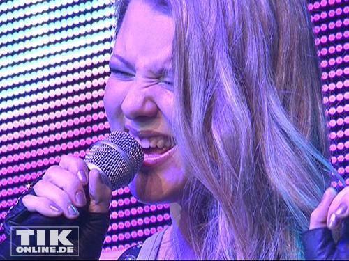 Nach dem eher ruhigen ersten Titel wurde es dann poppig. Joelina Drews sang ihre eigenen Song 'Trendsetter'. Dieser ist sogar schon in den amerikanischen Charts vertreten.