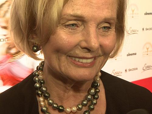 Ruth Maria Kubitschek strahlte auf dem roten Teppich des Jupiter Awards