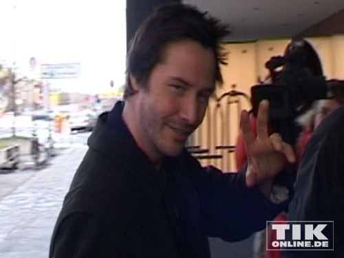 "Keanu Reeves sagt ""Hallo"""