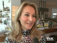 Caroline Beil im Glitzerkleid beim Charity Ladies Lunch 2015 in Berlin