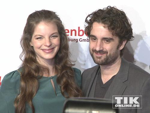 Yvonne Catterfeld und Oliver Wnuk strahlen auf der Medienboard Party 2014