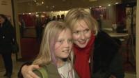"""Dana Golombek war mit Tochter Luisa zur Premiere des Musicals """"Eine Weihnachtsgeschichte"""" in Berlin gekommen"""