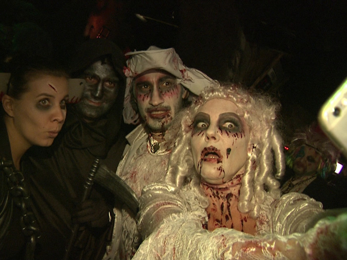 Natascha Ochsenknecht und ihr Freund Umut Kekilli machen gruselige Halloween-Selfies