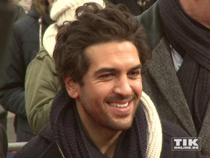 """Elayas M'Barek bestensgelaunt bei der """"Paddington""""-Premiere in Berlin"""