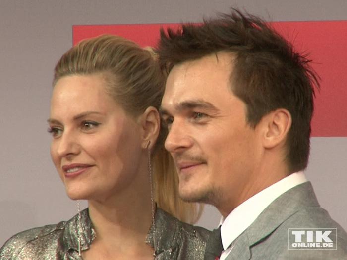 """Rupert Friend brachte seine Freundin Aimee Mullins mit zur Premiere des Action-Spektakels """"Hitman: Agent 47"""" in Berlin."""