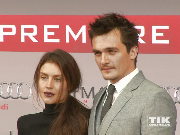 """Die beiden Hauptdarsteller Hannah Ware und Rupert Friend bei der Premiere von """"Hitman: Agent 47"""" in Berlin"""
