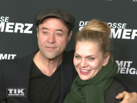 """Jan Josef Liefers kam mit Ehefrau Anna Loos zur Premiere des Schweiger-Tatorts """"Der große Schmerz"""" im Berliner Kino Babylon"""