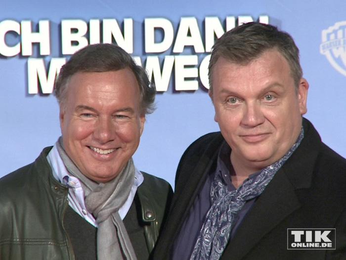 """Hape Kerkeling mit Nico Hofmann bei der Premiere von """"Ich bin dann mal weg"""" in Berlin"""