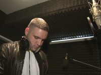 Rapper Fler am Mikrofon