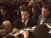 """Robert Pattinson: Mit Vollbart bei der Premiere seines Films """"Life"""""""