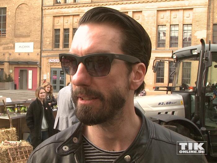"""Alec Völkel kam mit cooler Sonnenbrille zur Premiere von """"Shaun das Schaf"""""""
