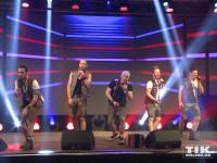 voXXclub performen auf der Bühne des Smago Awards in Berlin
