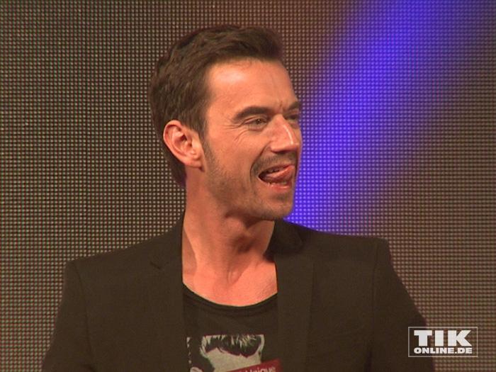 Florian Silbereisen streckt die Zunge heraus bei den Smago Awards in Berlin