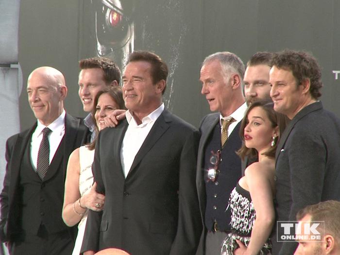 """Arnold Schwarzenegger und die komplette Crew bei der Premiere von """"Terminator Genisys"""" in Berlin"""
