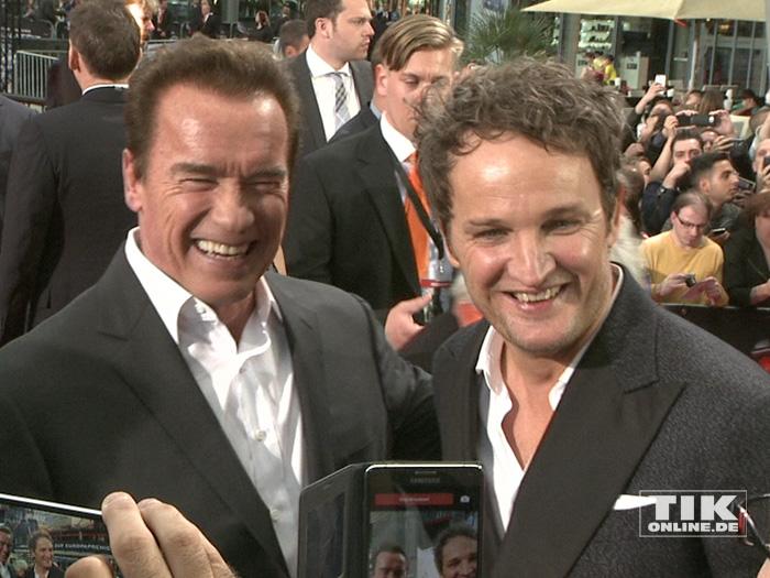 """Arnold Schwarzenegger und Jason Clarke bei der Premiere von """"Terminator Genisys"""" in Berlin"""