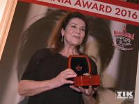 Hannelore Elsner wird ihren Askania Award 2016 zugunsten von Straßenkindern versteigern