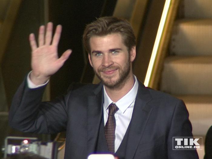 """Liam Hemsworth bei der """"Die Tribute von Panem - Mockingjay 2""""-Premiere in Berlin"""
