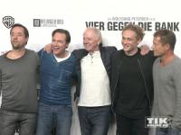 """Hollywood-Großmeister Wolfgang Petersen hat Jan Josef Liefers, Michael """"Bully"""" Herbig, Matthias Schweighöfer und Til Schweiger um sich versammelt, um sein neues Projekt """"Vier gegen die Bank"""" vorzustellen"""