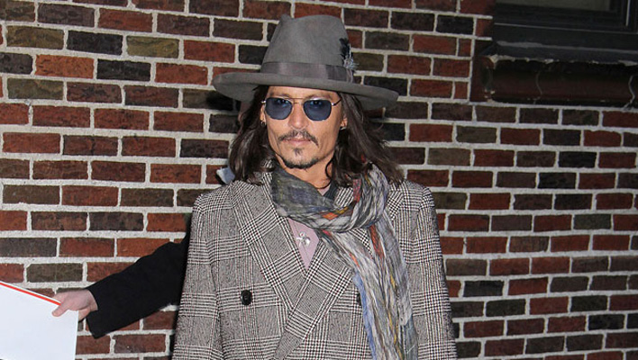 Johnny Depp blind im linken Auge
