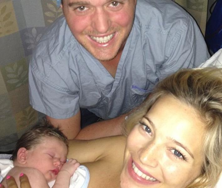 Michael Bublé mit Frau und Kind