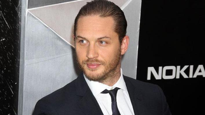 Tom Hardy Anzug