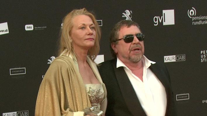 Armin Rohde mit Freundin Karen Böhne (Foto: HauptBruch GbR)