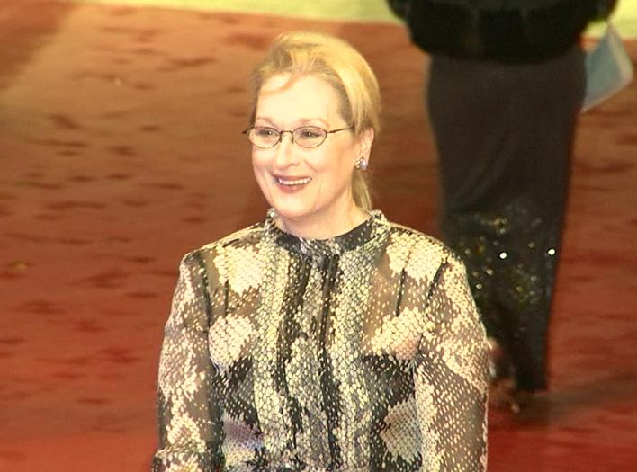 Meryl Streep strahlt bei der Eröffnung der 66. Berlinale