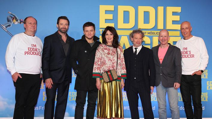 Henning Molfenter, Hugh Jackman, Taron Egerton, Iris Berben, Dexter Fletcher, Eddie 'The Eagle' Edwards & Charlie Woebcken (Foto: 20th Century Fox)